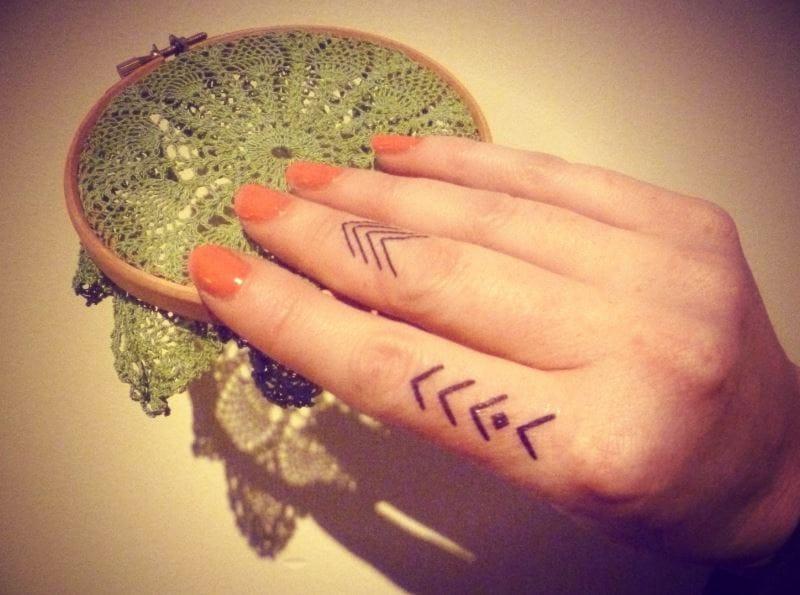 finger-tattoos