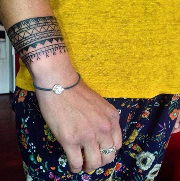 Diamong Bracelet Tattoos Design And Ideas