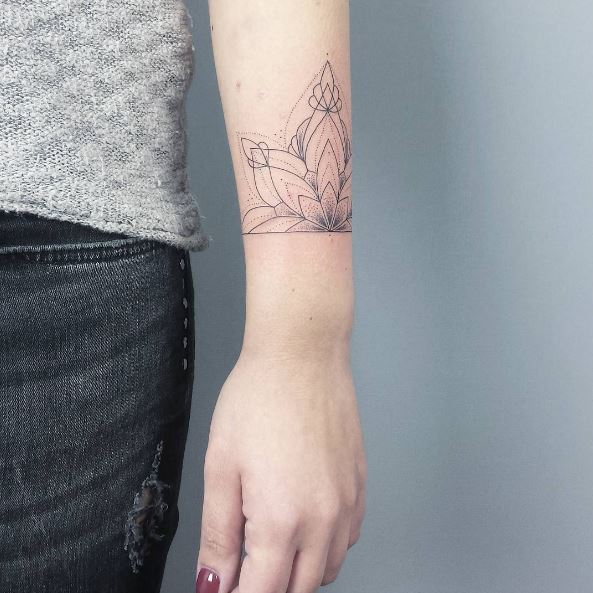 Line Bracelet Tattoos Design And Ideas