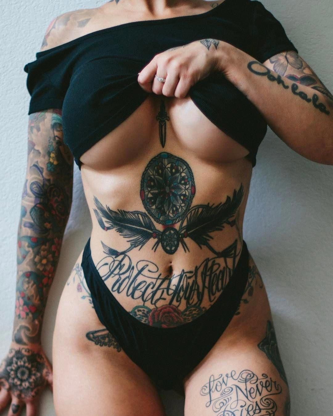 Belly Button Tattoos For Females (3)