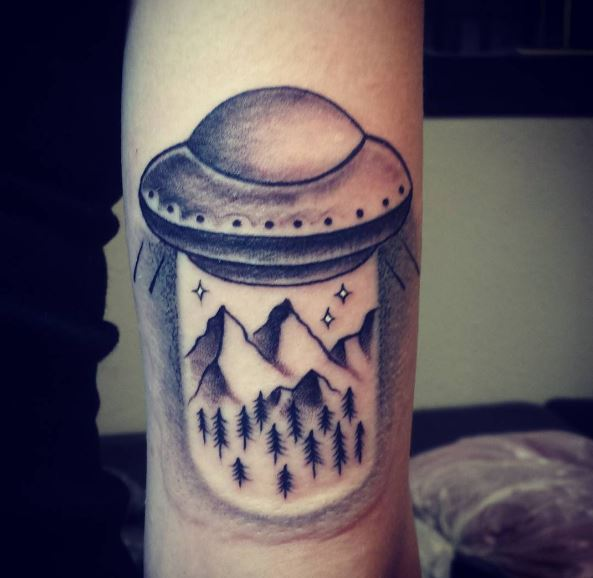 Awesome UFO Tattoos Design On Hands