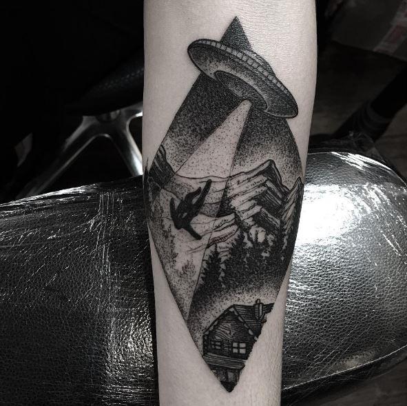 Full Size UFO Tattoos Design And Ideas