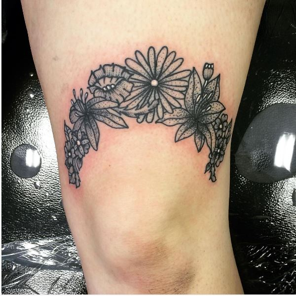 Little Flower Garter Tattoos Design On Thigh