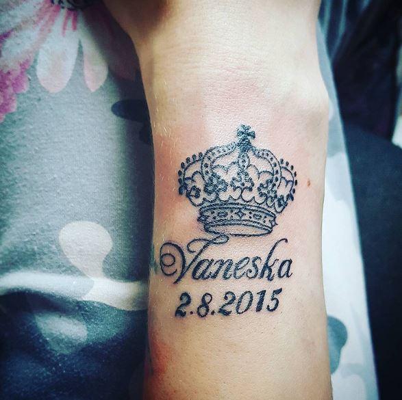 Queen Tattoos For Women