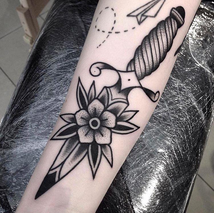 Minimalist Geometric Tattoos (14)