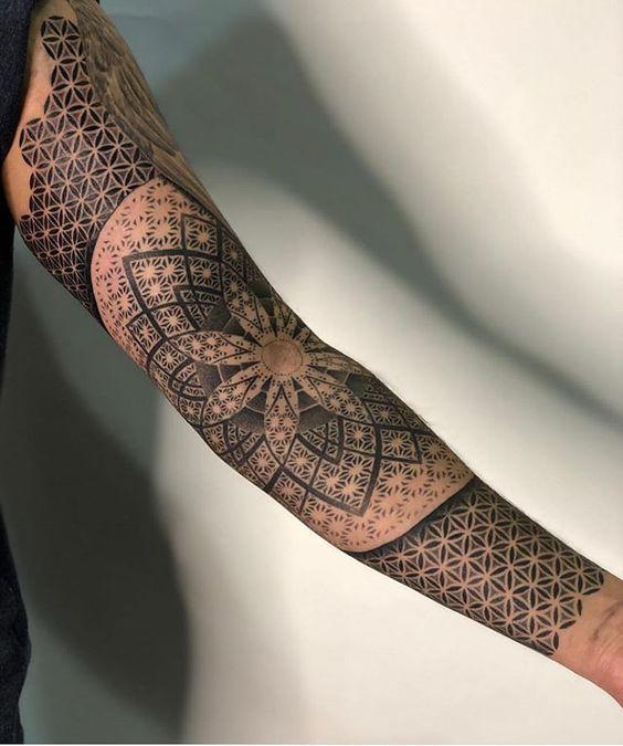 Minimalist Geometric Tattoos (5)