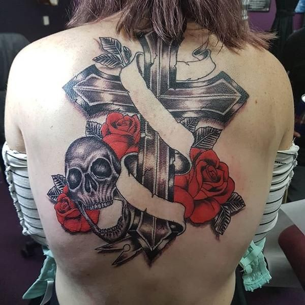 Shoulder Blade Cross Tattoos (4)