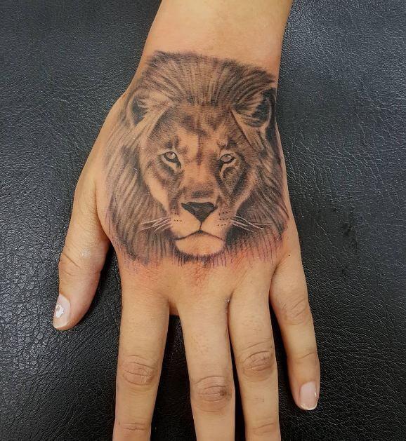 Simple Lion Tattoos 1
