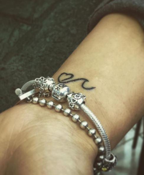 Micro Lining Heart Tattoos Design On Wrist