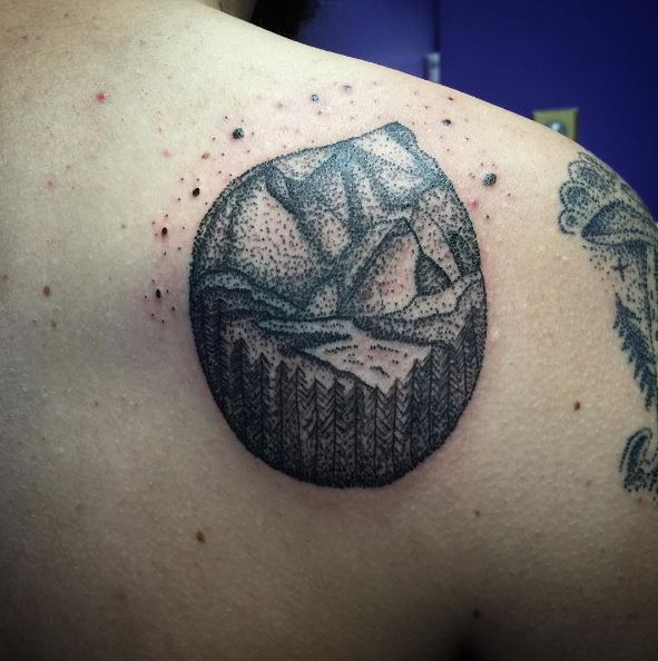 Mounatin Tattoos Design On Shoulder