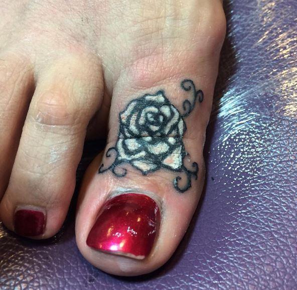 Rose Flower Toe Tattoos Ideas