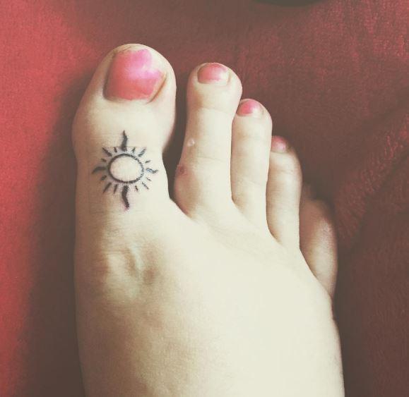 Sun Toe Tattoos Design And Ideas