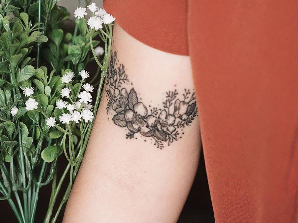 Tiny Floral Tattoos Design On Biceps