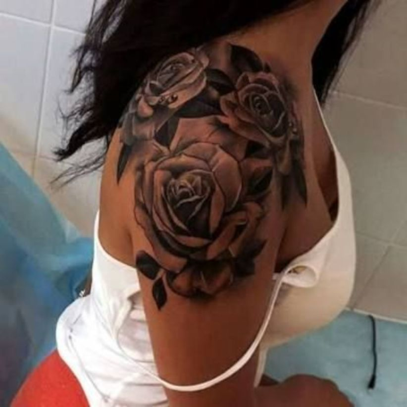Black And White Rose Tattoos (3)