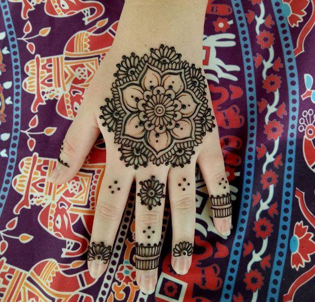 Cute Henna Tattoos