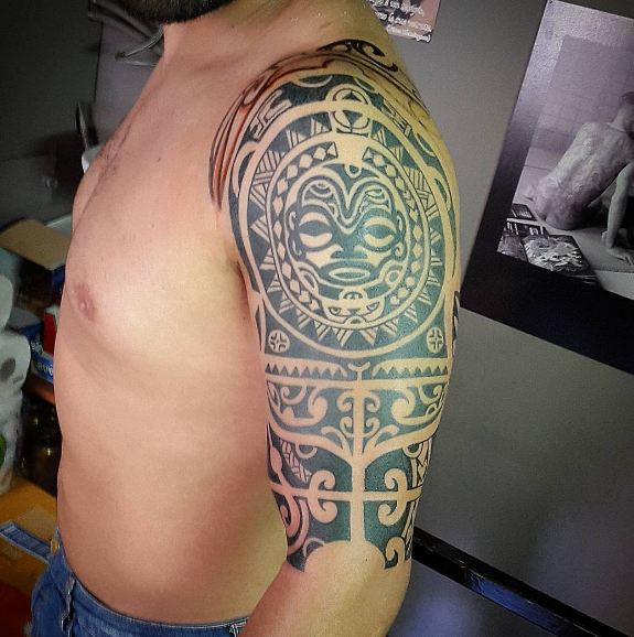 Polynesian Quarter Sleeve Tattoos
