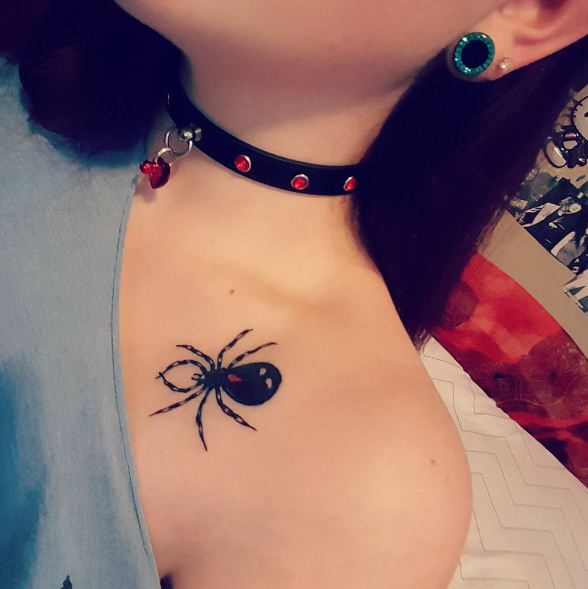 Spider Collar Bone Tattoos