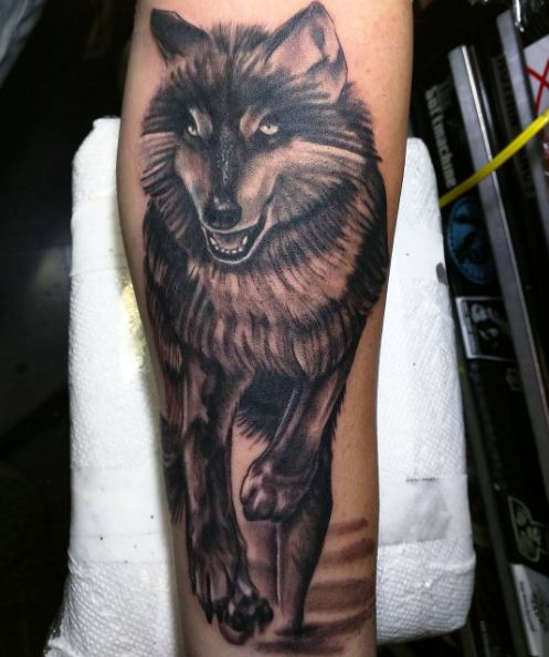 Wolf Wildlife Tattoos On Leg