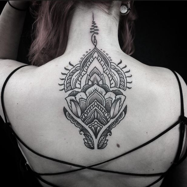Cool Back Neck Tattoos Design For Women