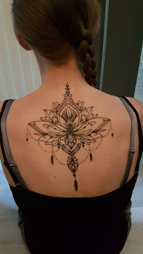 Back Of Neck Tattoos For Women (114)