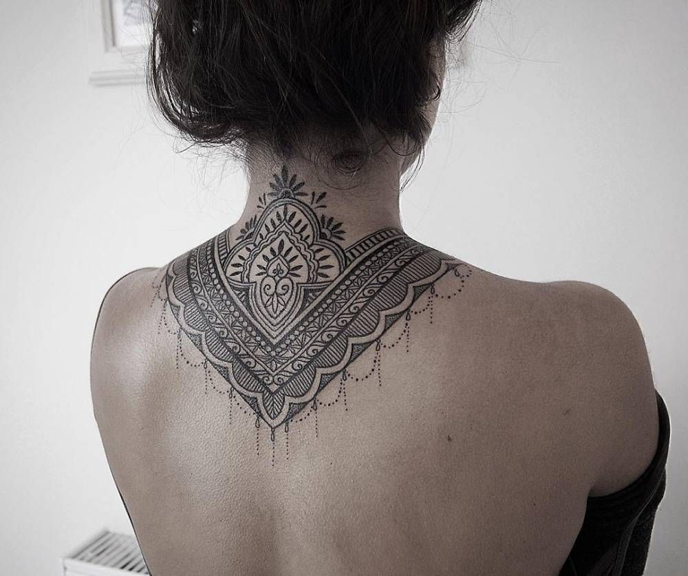 Back Of Neck Tattoos For Women (134)