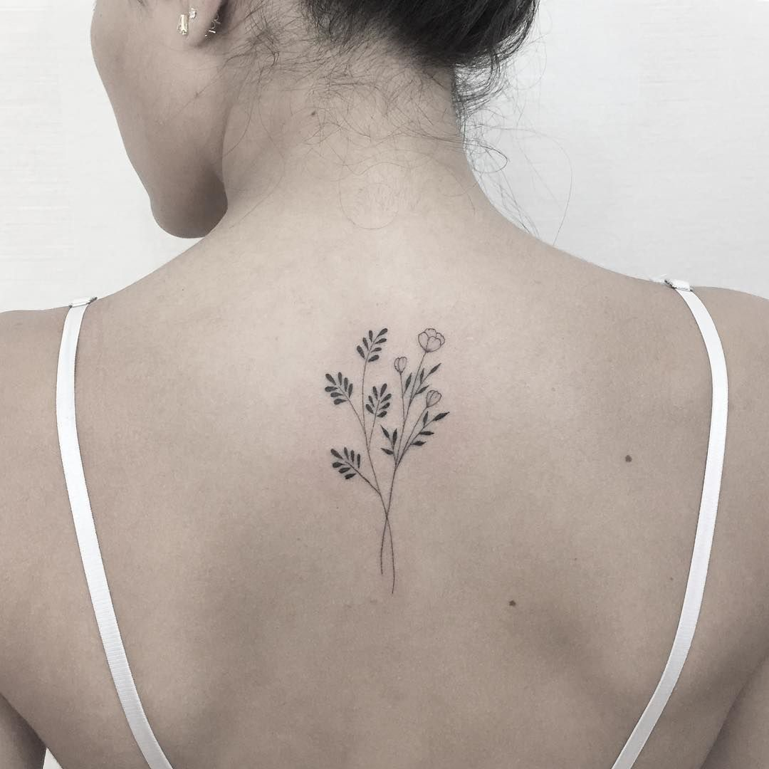 Back Of Neck Tattoos For Women (14)