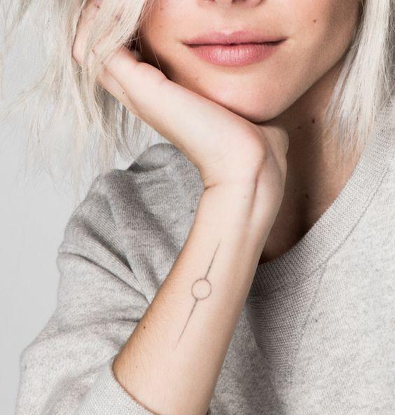 Back Of Neck Tattoos For Women (148)