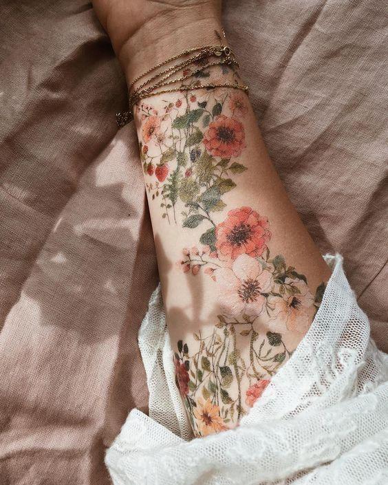 Back Of Neck Tattoos For Women (168)