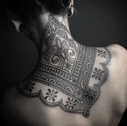 Back Of Neck Tattoos For Women (178)
