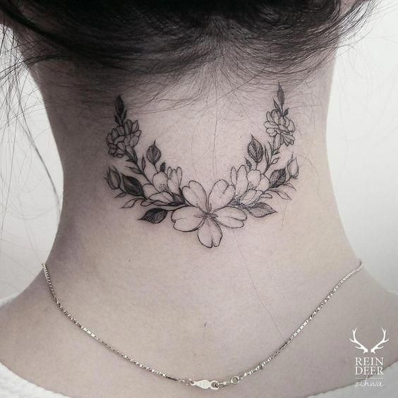 Back Of Neck Tattoos For Women (35)