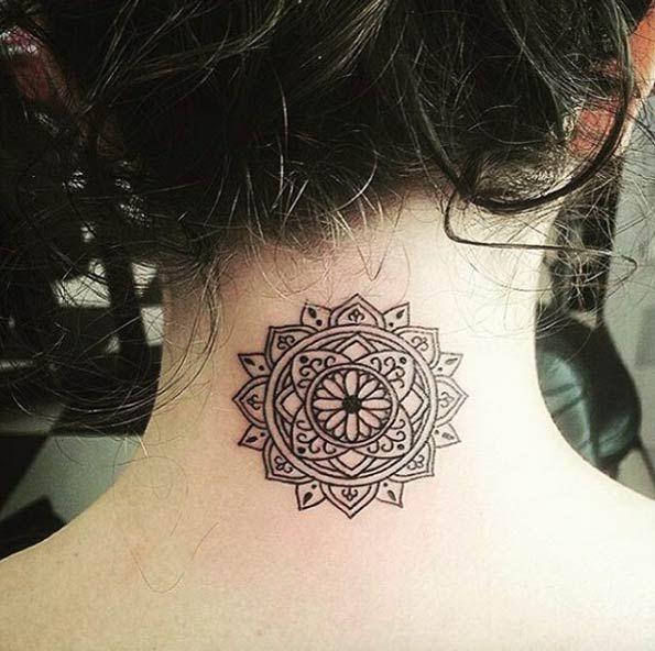 Back Of Neck Tattoos For Women (44)