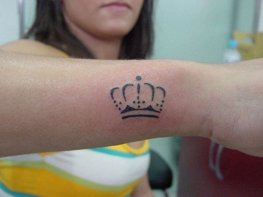 Crown Tattoo Outline