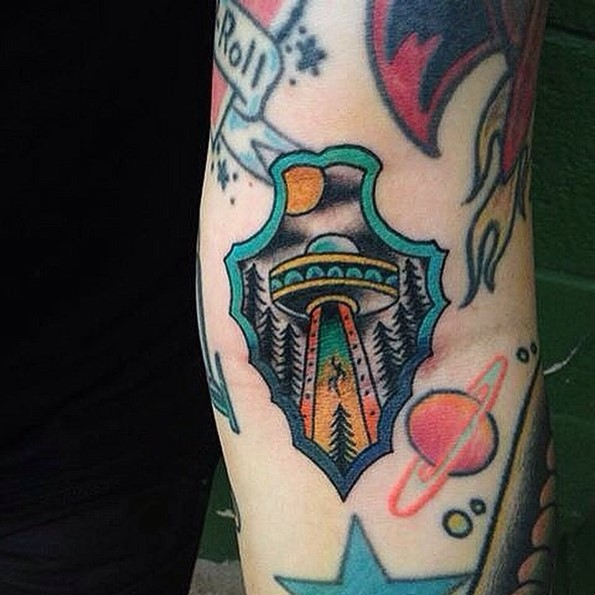 Arrowhead Tattoo With Flying UFO Inside