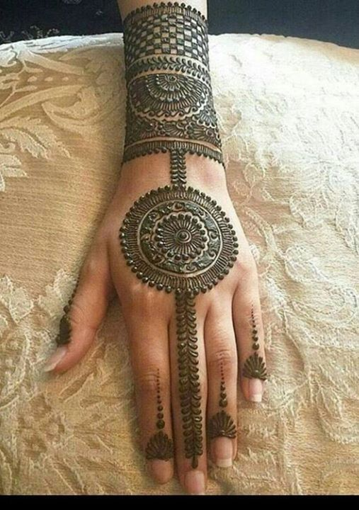 Beautiful Mehandi Design (4)