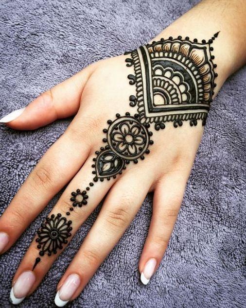 Henna Designs Wrist