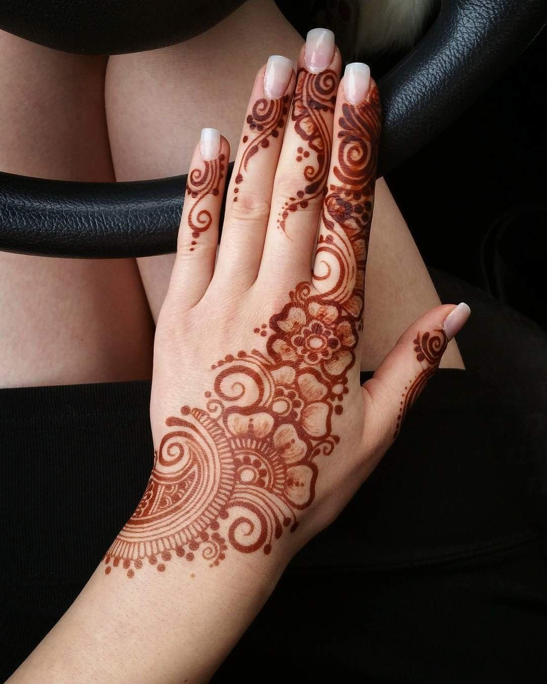 Henna Hand Designs Meanings (4)