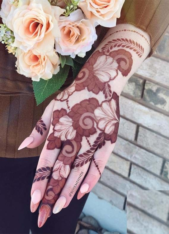 Hindu Tattoos On Hands (3)