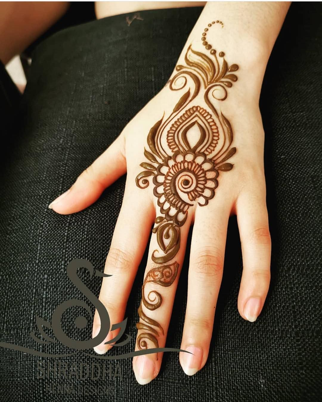 Hindu Tattoos On Hands (4)