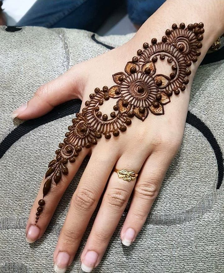 Mehndi Designs Easy And Simple (11)