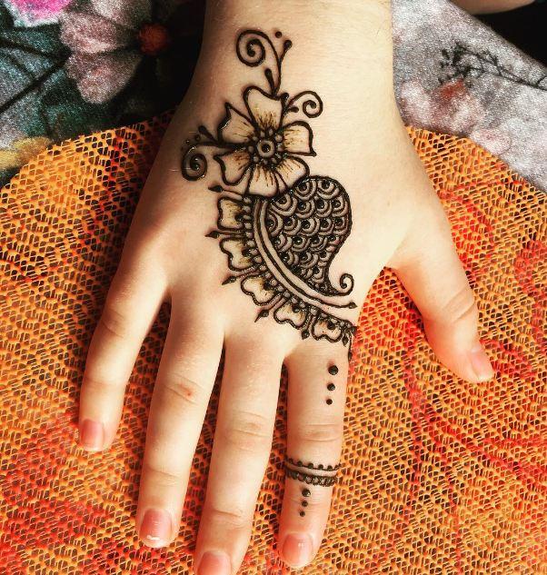 Pretty Henna Designs