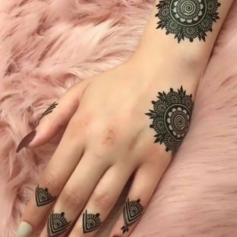 Rose Henna Tattoo (9)