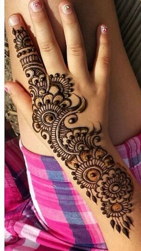 Simple Beautiful Mehndi Designs (11)