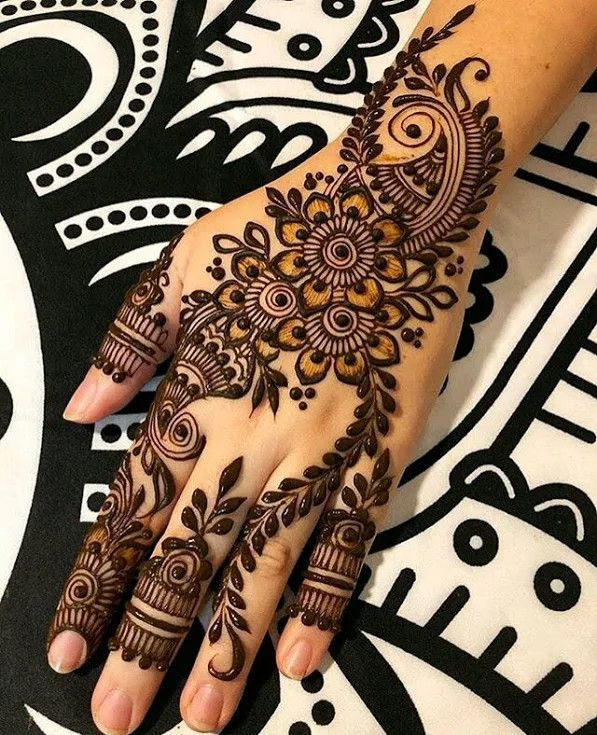 Simple Beautiful Mehndi Designs (8)