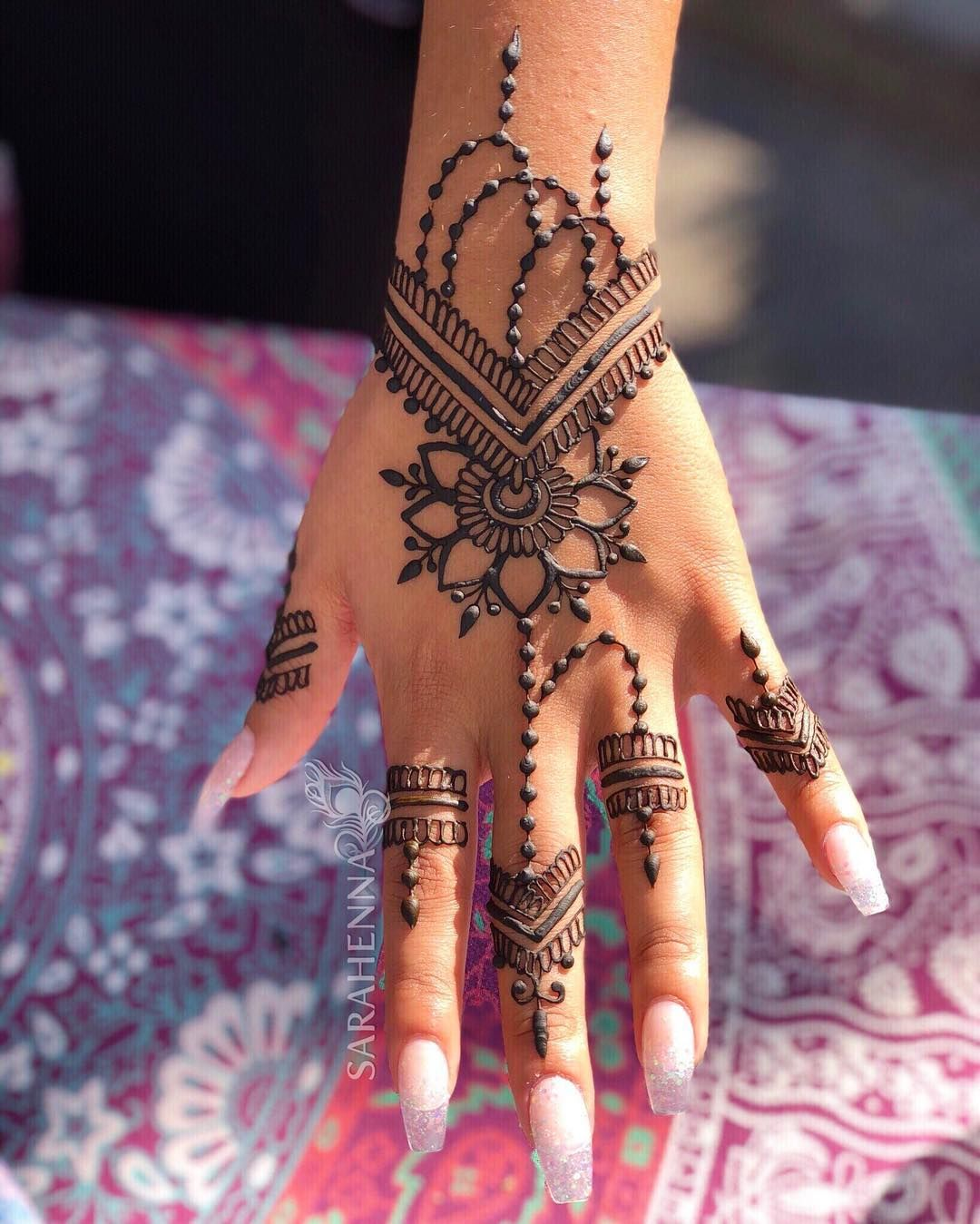 Simple Mehendi Design Images (5)