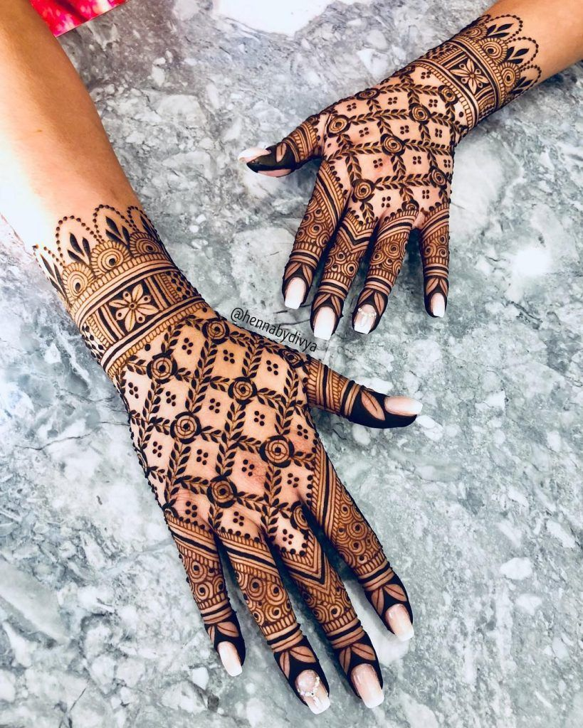Simple Mehndi Designs For Front Hands (5)