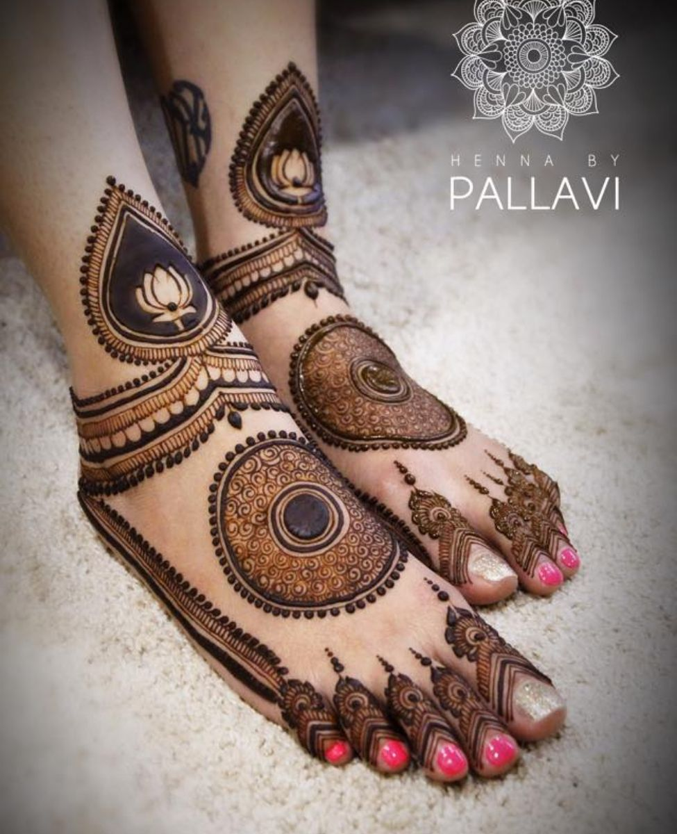 Simple Mehndi Designs For Front Hands (6)