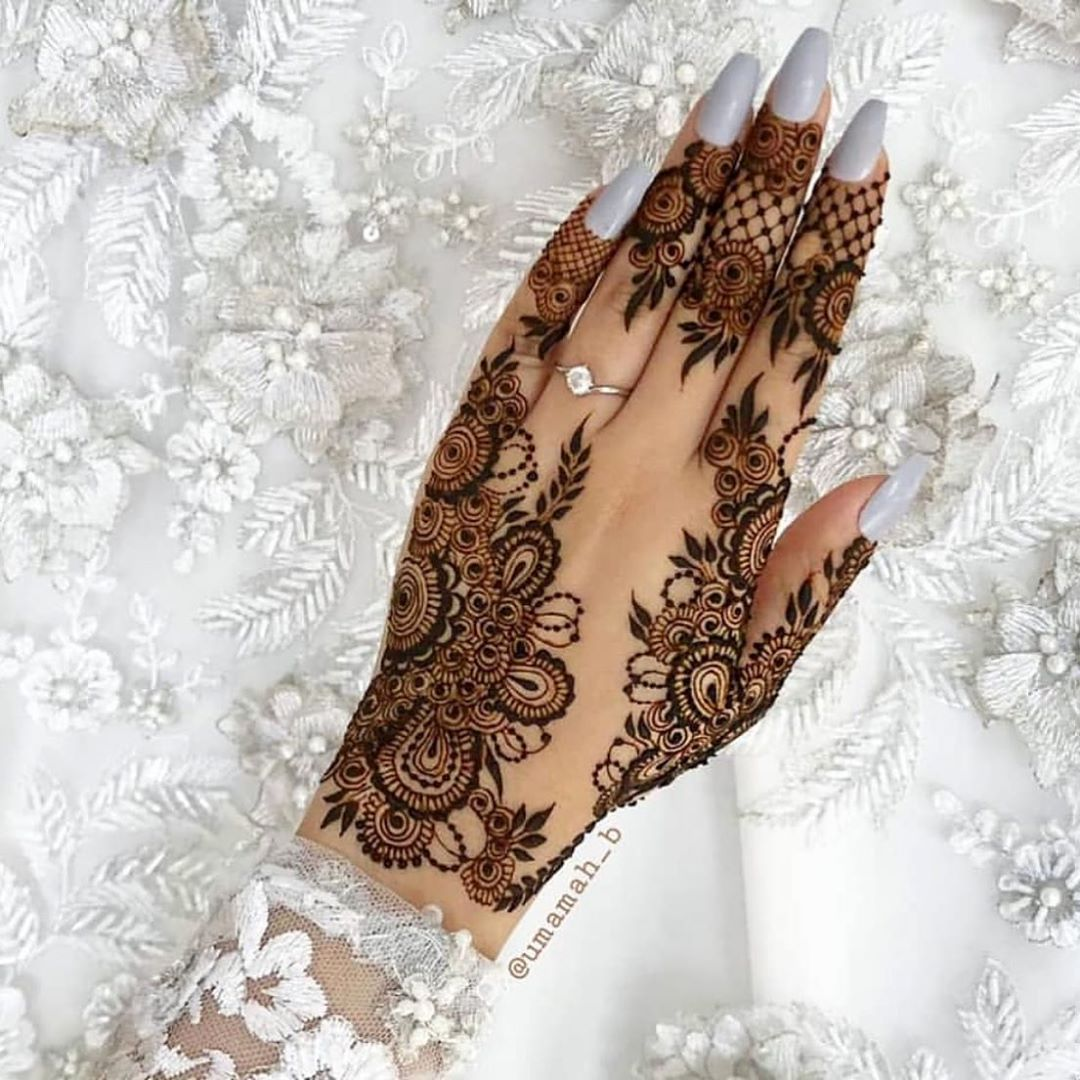 Simple Mehndi Designs For Front Hands (9)