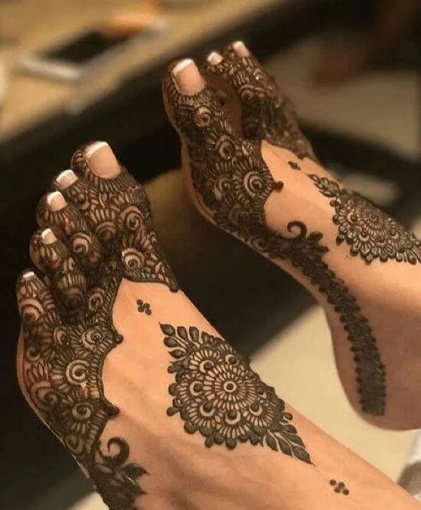 Simple Mehndi Designs For Hands (11)