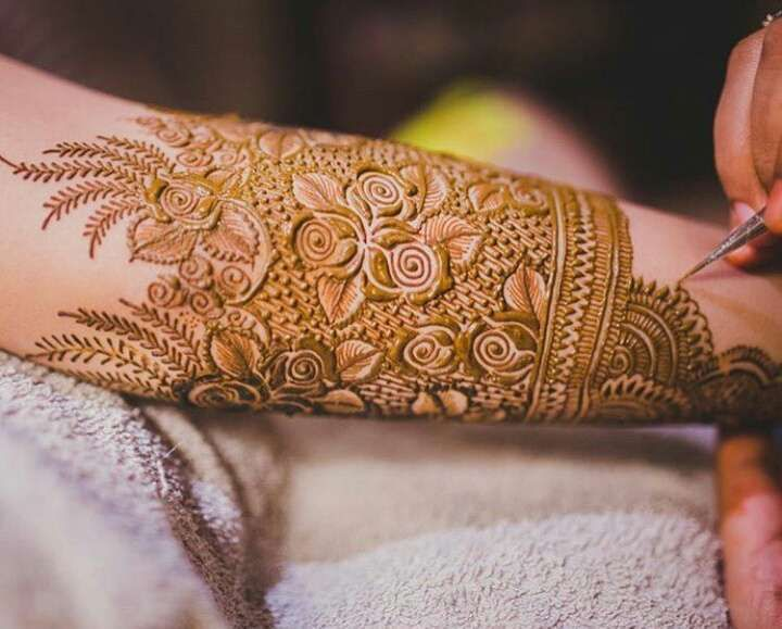Simple Mehndi Designs For Hands (7)