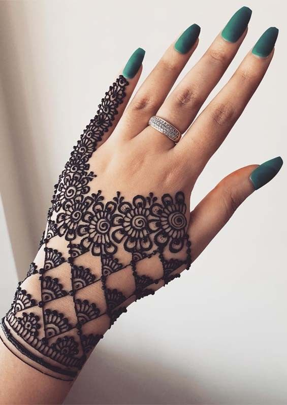 Simple Mehndi Designs For Hands (8)